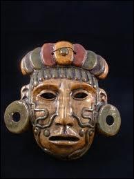 Les Mayas pratiquaient la culture de trois plantes complémentaires : ''les trois sœurs'' . Quelles sont ces plantes ?