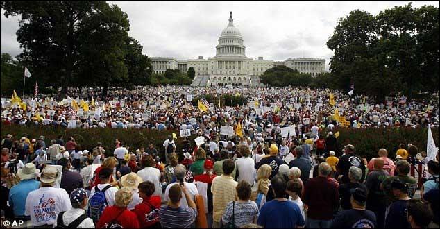 La composition ethnique de Washington D. C. est représentée majoritairement par les :