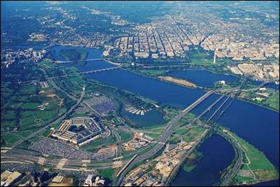 Quel est ce fleuve qui est une frontière naturelle de D. C. ?