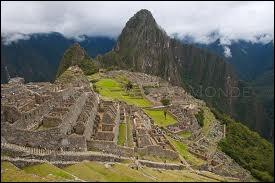 A la fin de chaque épisode, on avait droit à un documentaire sur les civilisations précolombiennes... A quelle civilisation doit-on la cité péruvienne de Machu Picchu ?