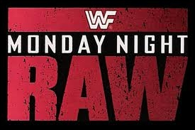 Quelle superstar encore en activité a participé au premier Monday Night RAW ?