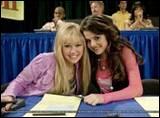 Miley est-elle amie avec Selena Gomez ?