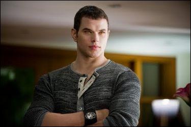 Dans quel(s) film(s) apparaît Emmett Cullen ?