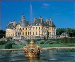 Demeure des souverains français, depuis François 1er (qui en fit sa résidence favorite) jusqu'à Napoléon III.