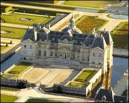 Construit par le surintendant des finances de Louis XVI, Nicolas Fouquet en Seine-et-Marne. Ce sont les mêmes architectes qui bâtiront le château de Versailles.
