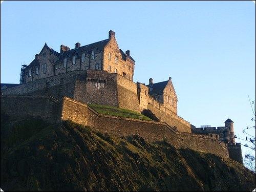 Ancienne forteresse aussi appelée le   Royal Mile  :