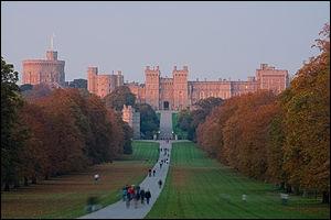 Le plus grand château habité au monde, et l'une des principales résidences de la famille royale d'Angleterre.