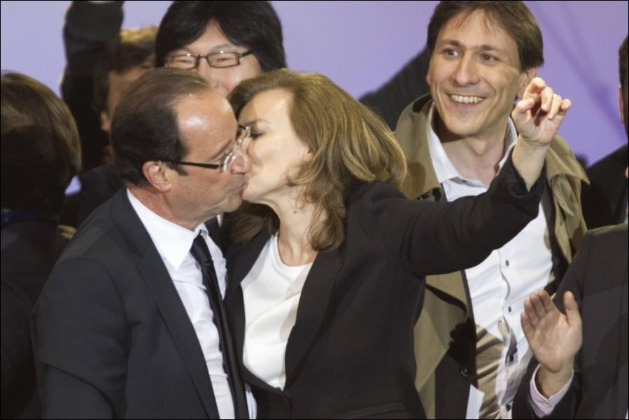 Sur quel air François Hollande et Valérie Trierweiler ont-ils dansé au soir du deuxième tour de l'élection présidentielle, le 6 mai ?