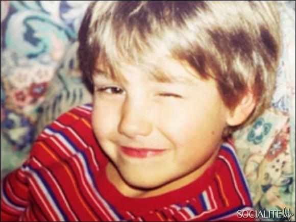 Qui est cet enfant souriant ?