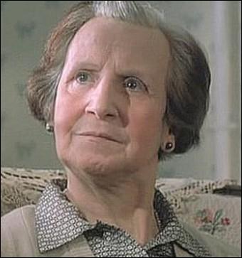 Elle sera dans notre mémoire la vieille dame particulièrement acariâtre mais si attachante de   Tatie Danielle   ... .