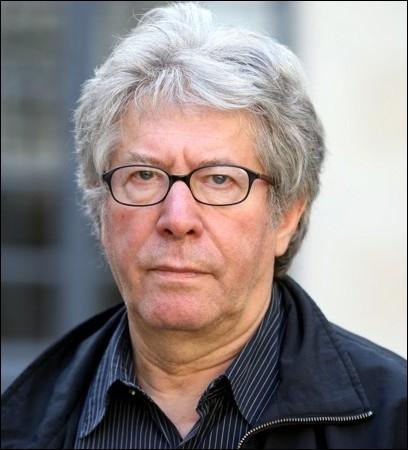 Réalisateur de   L'effrontée  ,   La petite voleuse  ,   Mortelle Randonnée. Son dernier film : une adaptation d'un roman de François Mauriac   Thérèse Dusqueyroux   ... .