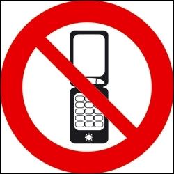 Si je n'ai pas de téléphone sur moi, je dois...