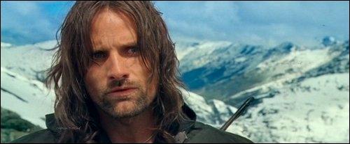 Quel personnage, aussi nommé Grand-Pas, deviendra roi du Gondor à la fin du dernier film ?