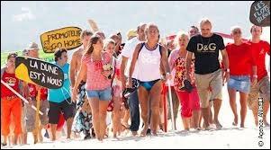 Pourquoi les campeurs vont-ils sur la dune du Pila ?