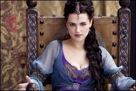 Qui est cette ravissante actrice tenant le rôle d'une jeune femme, qui au fil des saisons évolua dans son caractère ?
