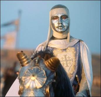 Quel jeune roi chrétien, connu pour sa sagesse, résiste à Saladin lors du siège d'Ascalon en 1177 ?