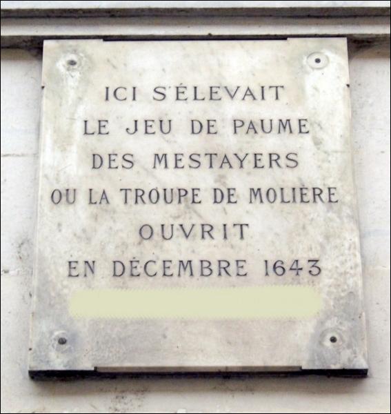 Le 30 juin 1643 est conclu, devant notaires, un contrat permettant la création d'une troupe pour l'exercice de la comédie dont le nom était ?