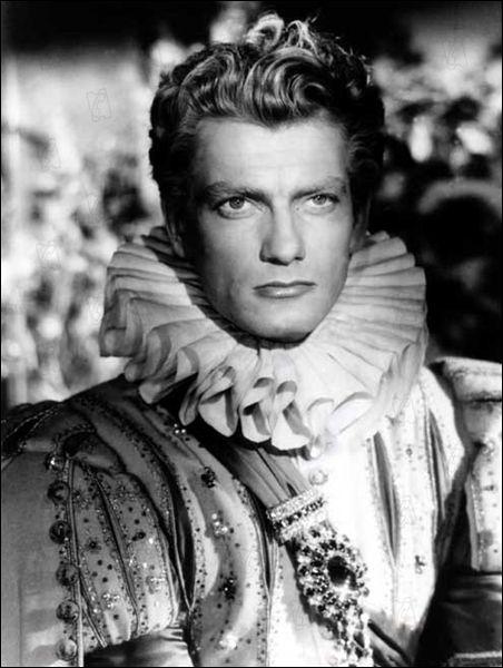 Pour l'artiste Jean Cocteau, qui est l'acteur qui tient le rôle du Prince dans la très poétique adaptation de la Belle et la Bête ?