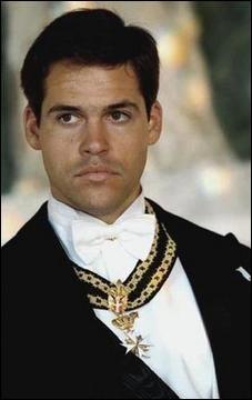 C'est une photographie du Prince Louis de Bourbon, banquier international, lequel est Prince héritier de quel pays ?