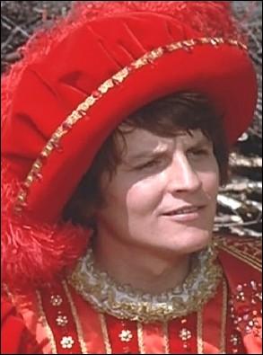 Etrangement vêtu de rouge, ce Prince est l'acteur Jacques Perrin dans Peau d'âne, la Princesse est Catherine Deneuve. Perrin sera encore le  Prince  de Deneuve dans un autre film, lequel ?