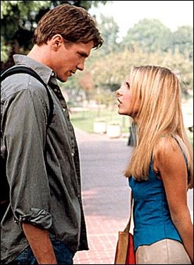 Où Buffy rencontre-t-elle Riley pour la première fois ?