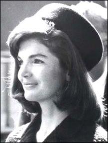 Dans le téléfilm  The Kennedy  qui tient le rôle de  Jackie Kennedy  ?