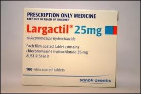 En quelle année est apparue la Chlopromazine, premier médicament antipsychotique, sous le nom de Largactil ?