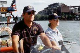 En 1993, dans quel film interprète-t-il le sergent Tom Hardy de la brigade fluviale ?