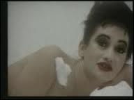 A qui doit-on le titre  C'est la ouate  en 1986 ?