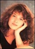 Comment se prénomme cette adolescente devenue une star en 1986 ?