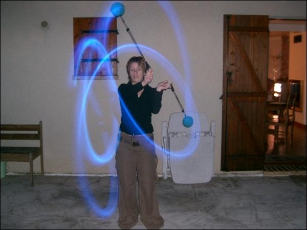Cet animal est capable d'attraper une proie grâce à une technique qui s'apparente à celle du lasso et des bolas !