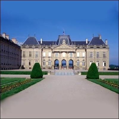 Quel Chef d'oeuvre de l'architecture du XVIIIème siècle, résidence de l'ex-Roi de Pologne Stanislas Leszczinski, est surnommé le Versailles Lorrain ?