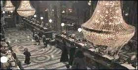 Le coffre dont Hagrid veut cacher le motif de son existence à Harry est le ...