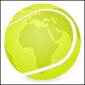 La balle de tennis est :