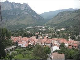 Je me rends à Verdun, commune de l'Ariège où les habitants se nomment les ...