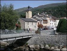 Je commence par une visite de la ville d'Ax-les-Thermes, où les habitants se nomment les ...