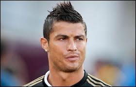 Le Real de Madrid a acheté Cristiano Ronaldo pour la somme de :