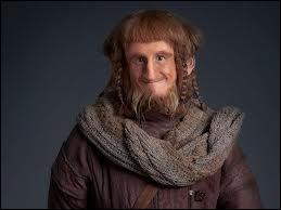 Que font-ils quand ils arrivent chez le Hobbit ?