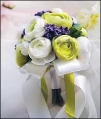 Pour savoir qui va se marier la première, il est une tradition liée aux fleurs. Laquelle ?