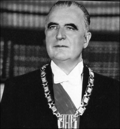 L'après de Gaulle ... .