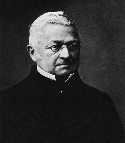 Il conclut la paix avec la Prusse au prix de la perte de l'Alsace-Lorraine ...