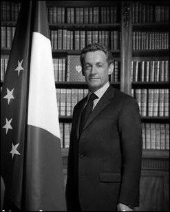 C'est le premier Président de la République à n'avoir eu qu'un Premier ministre au cours de son mandat