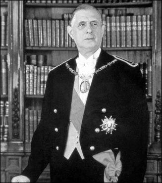 Il propose l'élection du président de la République au suffrage universel direct.