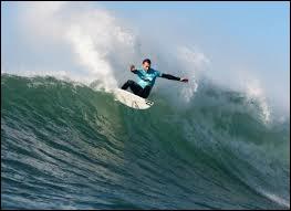 Quelle ville est l'une des 5 plus célèbres destinations de surf dans le monde ?