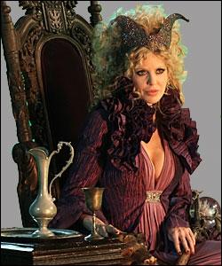 Ce personnage est une méchante. Est-ce Maléfique, la sorcière de la Belle au bois dormant, ou est-ce la sorcière ogresse de Hansel et Gretel ?