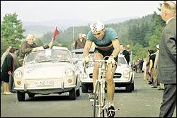 Comment était surnommé Eddy Merckx ?