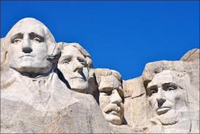 Quel président ne figure pas sur le mémorial du Mont Rushmore dans le Dakota du Sud ?