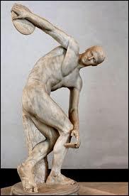 Comment s'appelle cette célèbre statue de l'Antiquité ?