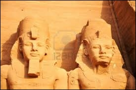 Dans les années 60, les temples égyptiens d'Abou Simbel ont été déplacés. Pourquoi ?
