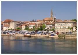 Avec quel fleuve conflue la Dordogne ?